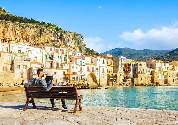 Sicily_Seaside_Couple-1